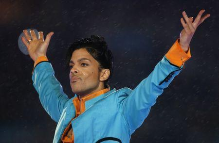 Prince performs during the halftime show of the NFL's Super Bowl XLI football game in Miami, Florida February 4, 2007.     REUTERS/Mike Blake/File Photo