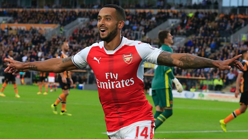 Theo Walcott sets Guinness World Record with fantastic control