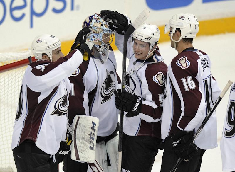 Tanguay scores 2, Avs stay perfect at 5-0
