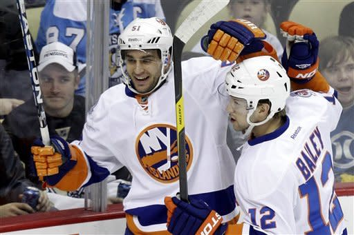 Isles win in Pittsburgh for first time in 4 years