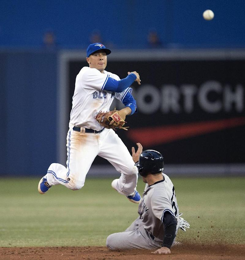 Dickey gets win, Blue Jays beat Yankees