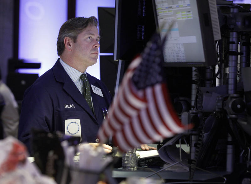 US stocks slip; Apple hits new high
