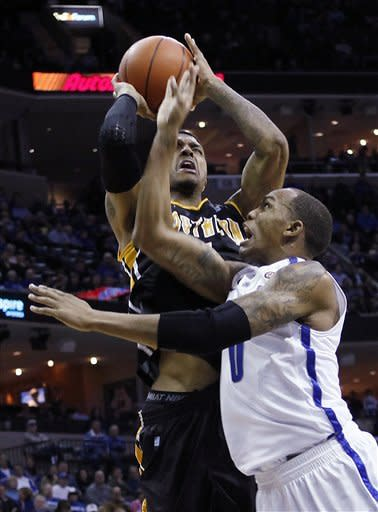 Memphis holds on to nip Southern Mississippi 60-58