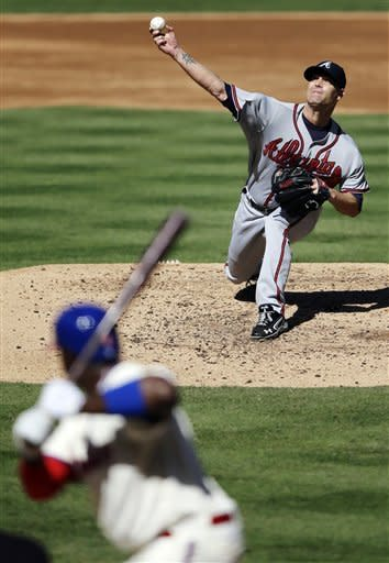 Hudson leads Braves to 2-1 win over Phillies