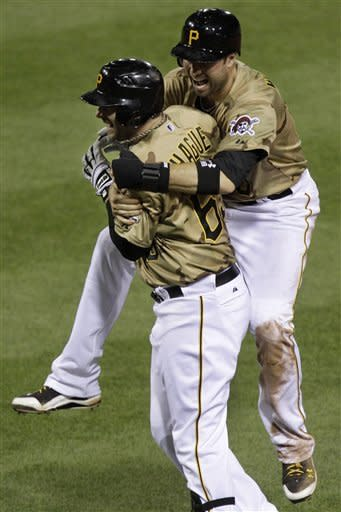 Pirates hand Cubs 11th straight loss with HBP