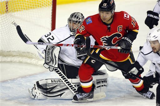 Quick and Kings blank Flames 3-0