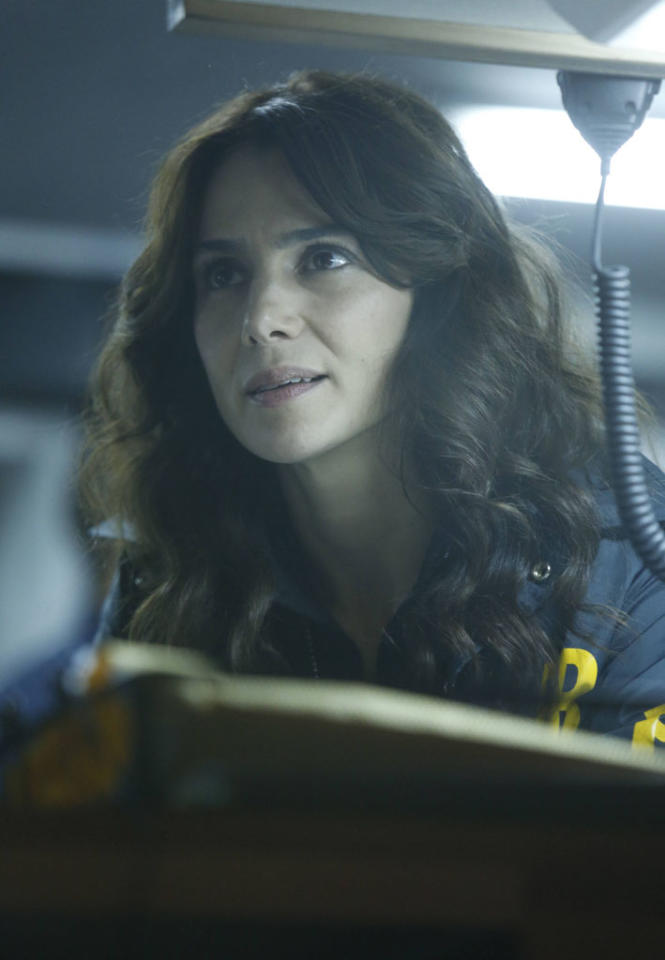 """Parker (Annie Parisse) looks for the followers in the """"The Fall"""" episode of """"The Following."""""""