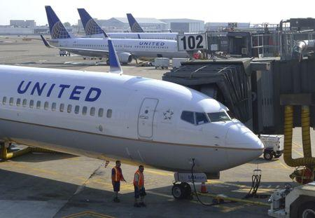 United Continental Holdings shares plummet after first quarter earnings