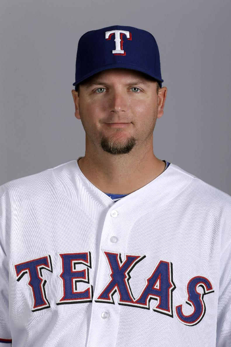 Red Sox sign C Pierzynski to 1-year deal
