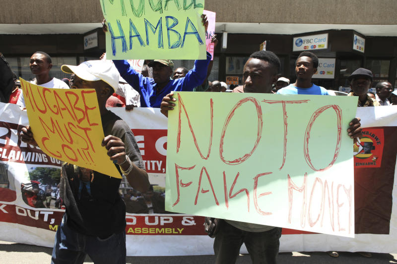 Zimbabwe police use water cannon against