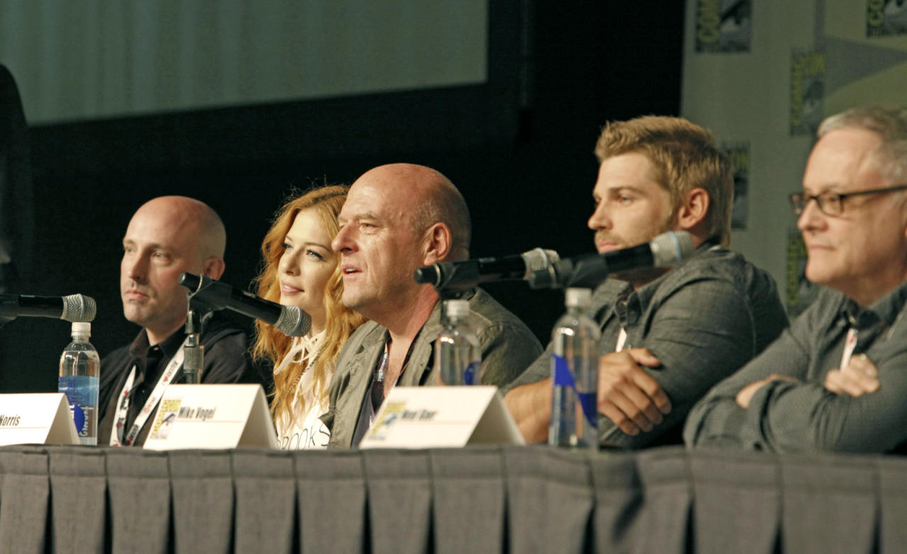 """Brian K. Vaughan, Rachelle Lefevre, Dean Norris, Mike Vogel and Neal Baer during the """"Under the Dome"""" panel at Comic-Con 2013, held in San Diego, Ca."""