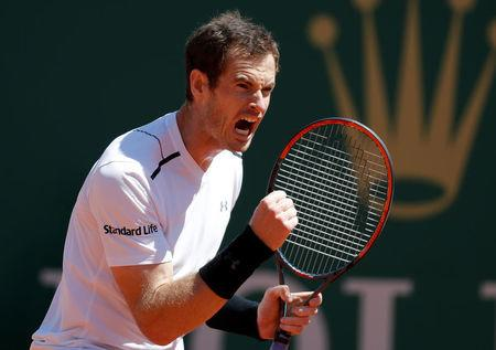 Murray has to dig deep to serve up victory after injury