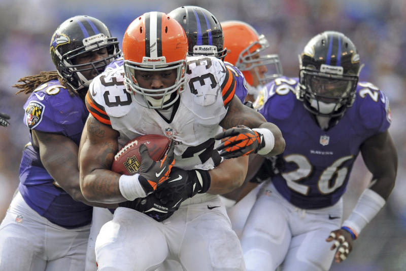 Browns sign running back Willis McGahee