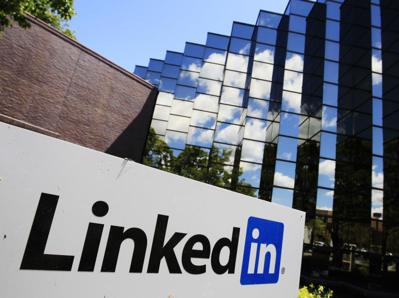 LinkedIn's 4Q gets rave reviews from investors