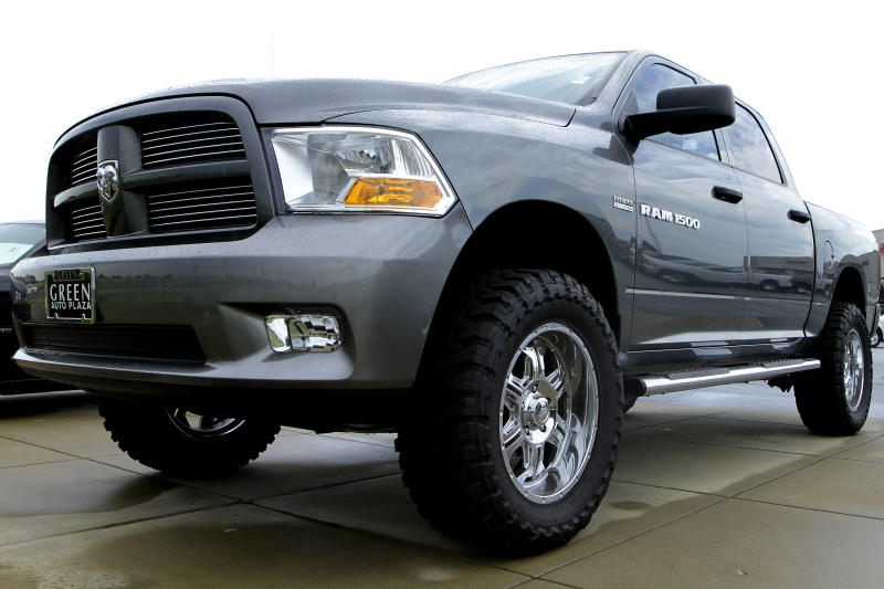 Automakers bet on pickup surge