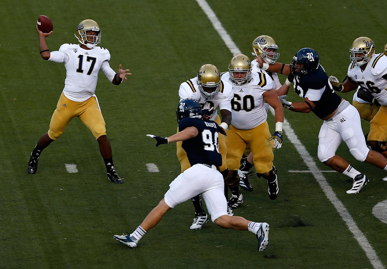 HOUSTON, TX - AUGUST 30:  Brett Hundley #17 of the UCLA Bruins throws a pass during the game against the Rice Owls at Rice Stadium on August 30, 2012 in Houston, Texas.  (Photo by Scott Halleran/Getty Images)