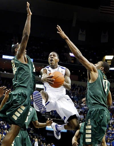 Memphis hits 3-pointers to rout UAB 79-45