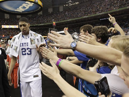 Kentucky's Anthony Davis walks off the court after an NCAA Final Four semifinal college basketball tournament game against Louisville Saturday, March 31, 2012, in New Orleans. Davis scored 18 points as Kentucky won 69-61. (AP Photo/David J. Phillip)