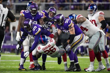 Vikings stay perfect with win over Giants