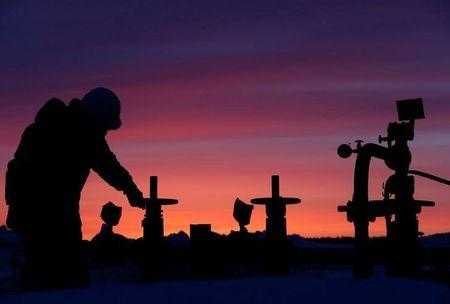 Oil prices fall despite Russian freeze call