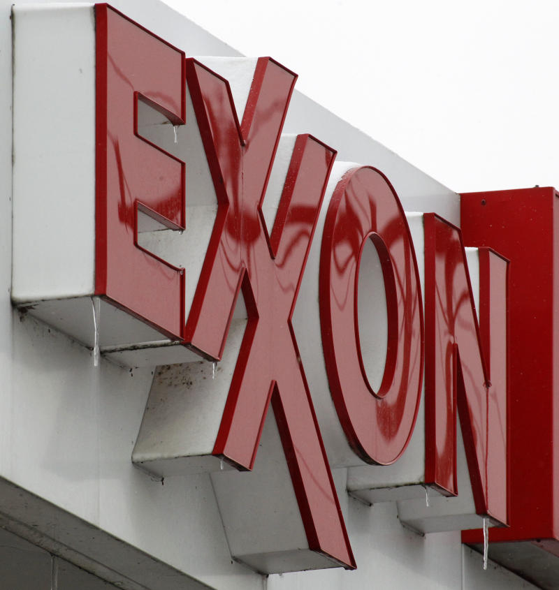 Refining margins boost 4Q profit at Exxon Mobil