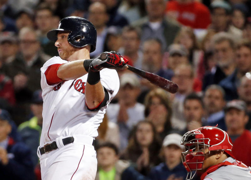 Middlebrooks, Red Sox rally past Reds 4-3