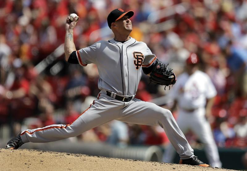 Giants blank Cardinals 8-0