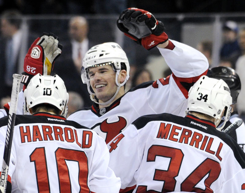 Gelinas' OT goal lifts Devils over Rangers, 4-3