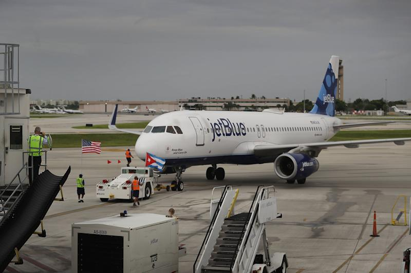JetBlue quarterly profit misses estimates