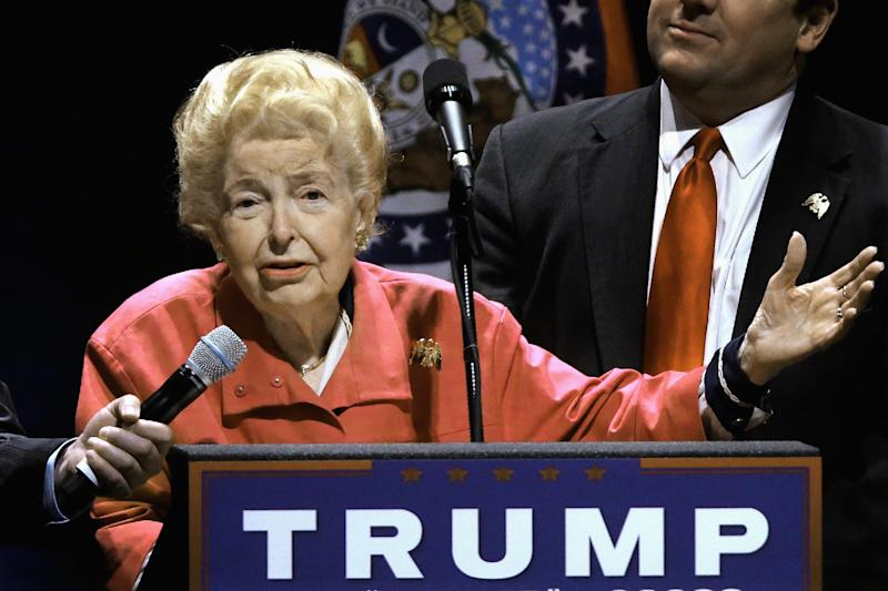 Phyllis Schlafly, towering social conservative figure, dies at 92