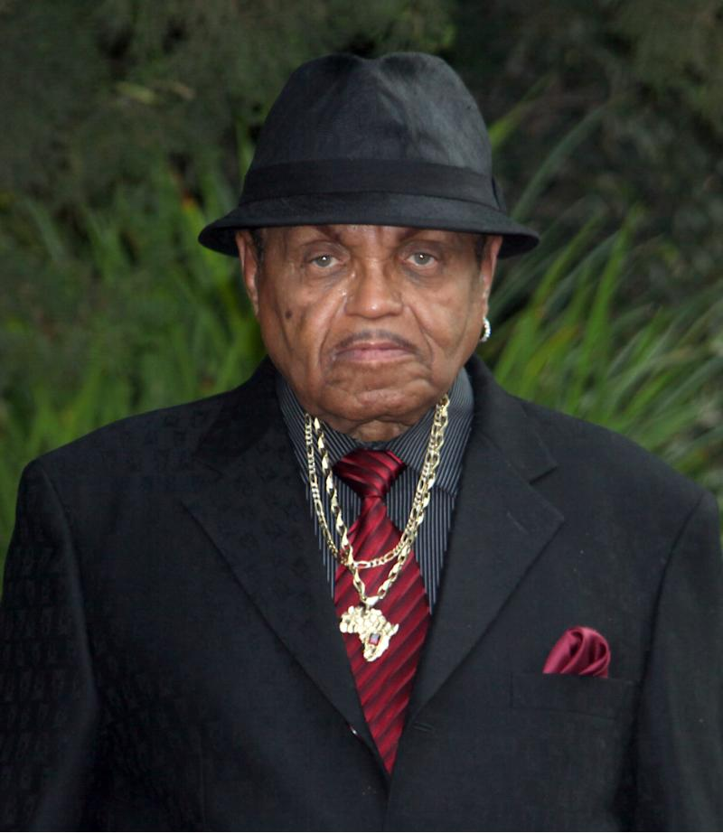 Michael Jackson's dad drops wrongful death lawsuit