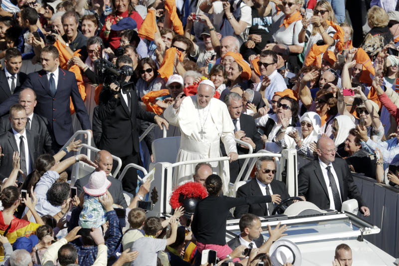 Pope canonizes Argentina's 'gaucho priest' and 6 others