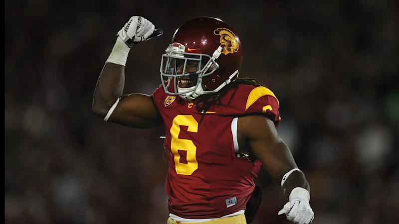 USC FOOTBALL PLAYER PULLS A MANTI TE'O