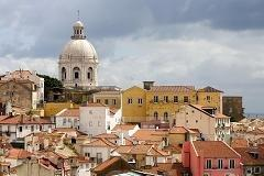 Portugal back in the spotlight as bailout risks return