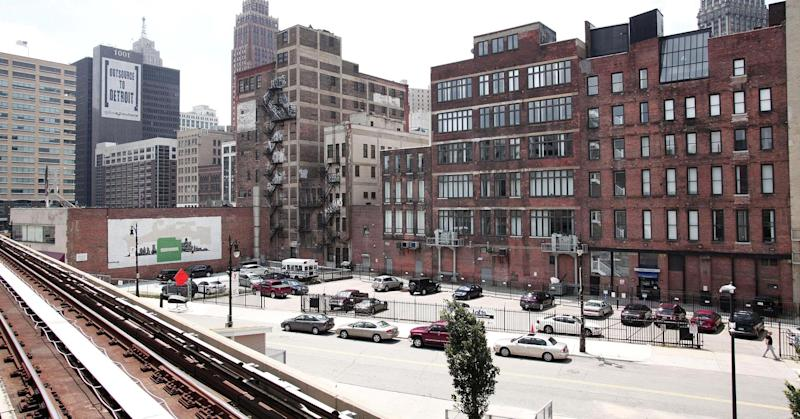 Detroit agrees to bankruptcy plan, pension cuts