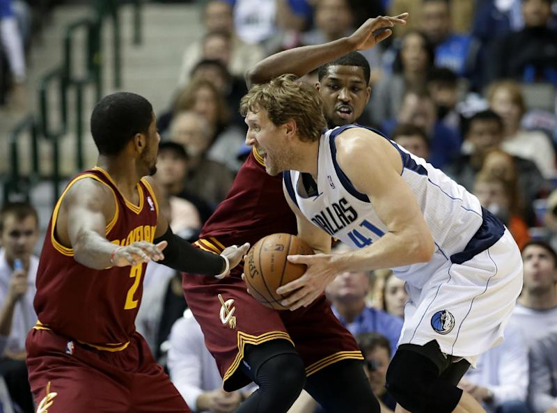 Nowitzki leads Mavericks past Cavs 124-107