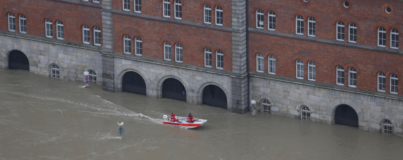 German troops sent in to help its flooded cities