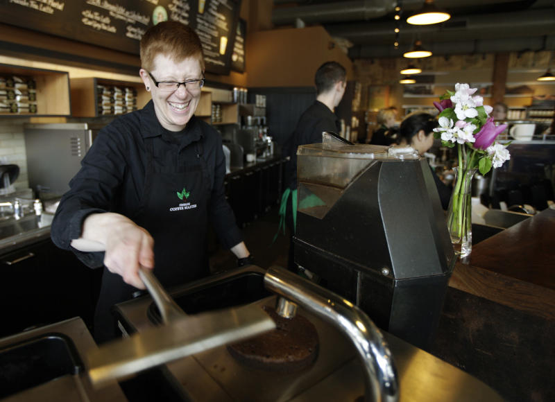 Starbucks clears college degree path for workers