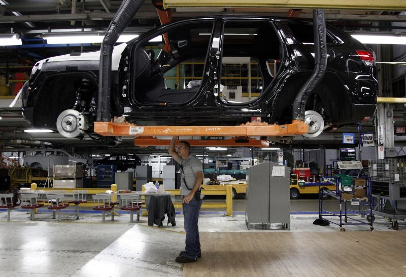 US factory output rises just 0.1 percent in May