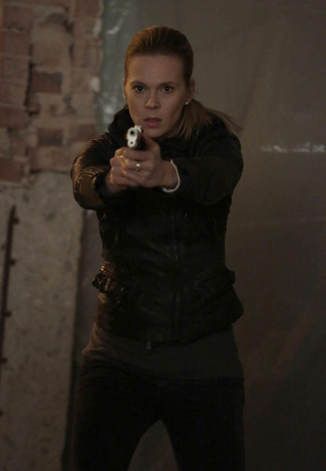 """Louise (guest star Annika Boras) fires back when the FBI gets too close in the """"Love Hurts"""" episode of """"The Following."""""""