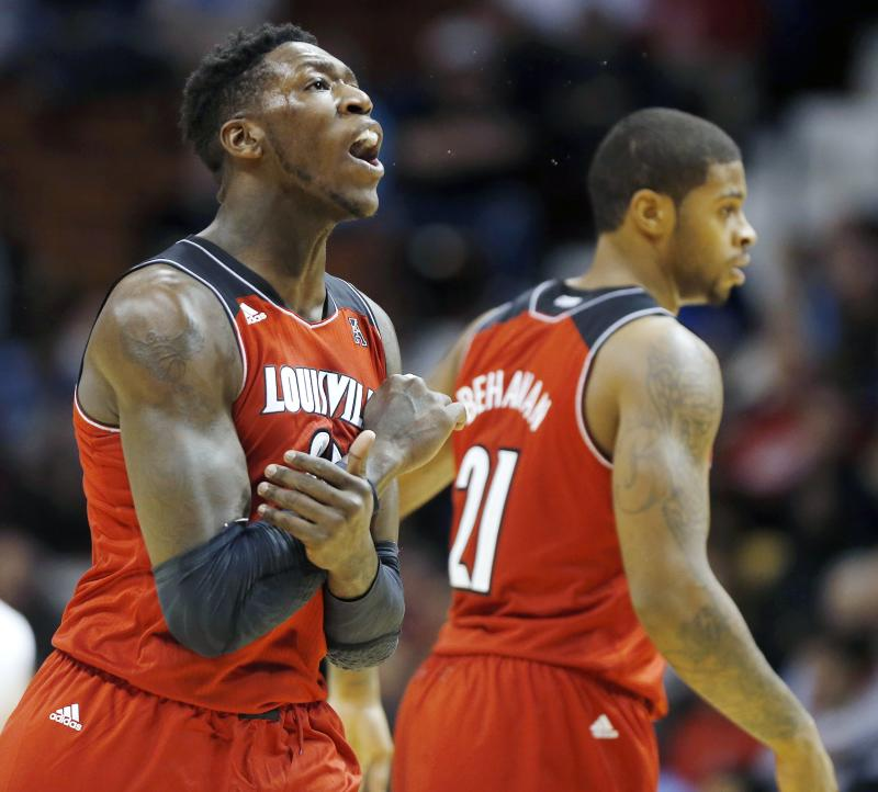 No. 3 Louisville beats Fairfield 71-57