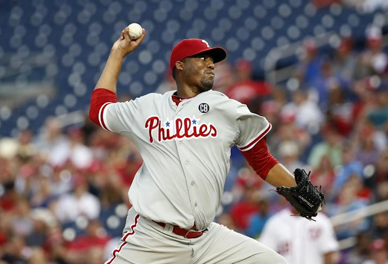 Dodgers acquire RHP Hernandez from Phillies