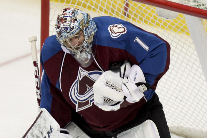 Varlamov's 35 saves lifts Avalanche past Wild, 5-4