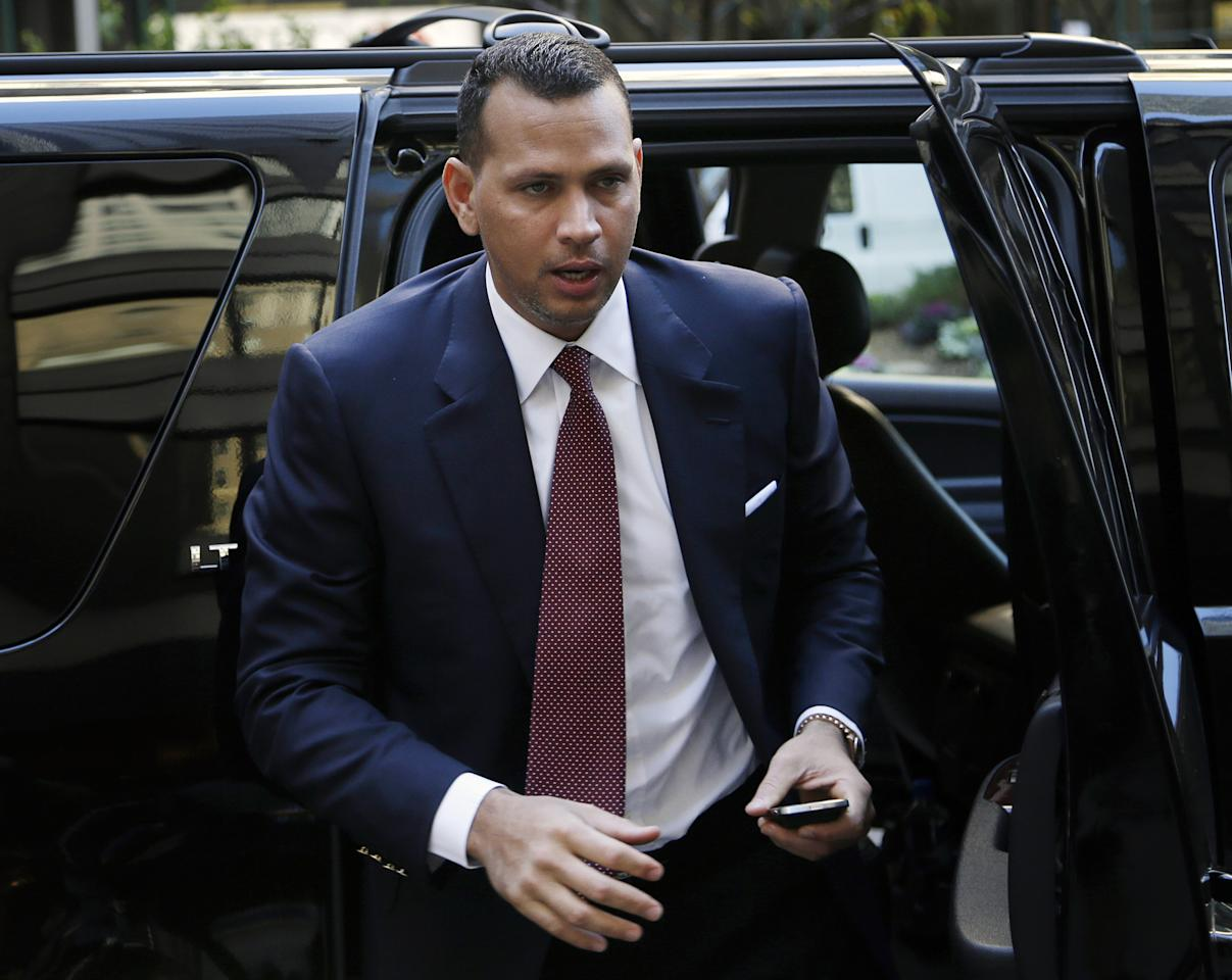 Alex Rodriguez arrives at Major League Baseball headquarters in New York, Tuesday, Nov. 19, 2013. Rodriguez's grievance hearing to overturn his 211-game suspension resumed Monday with the first of what could be 10 straight days of sessions. (AP Photo/Seth Wenig)