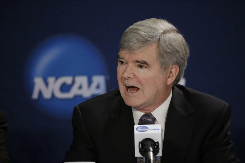 College recruiting: Next promise could be paycheck