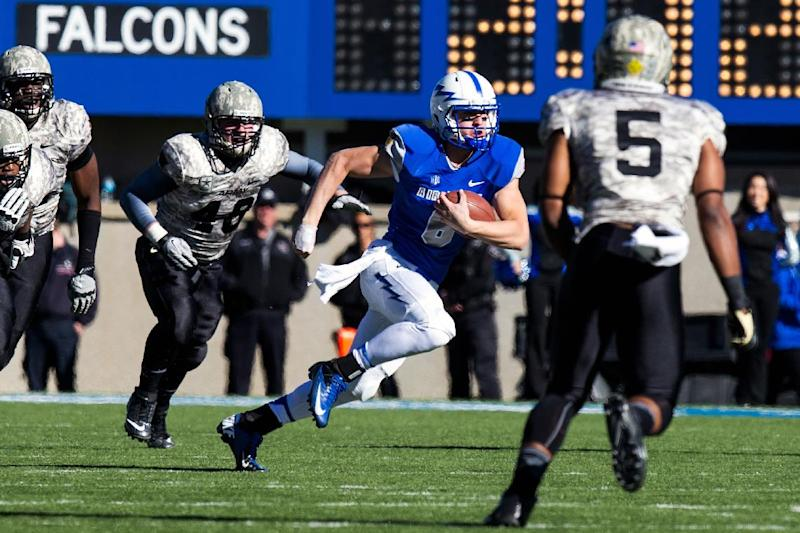 LaCoste scores 3 TDs, Air Force beats Army 42-28