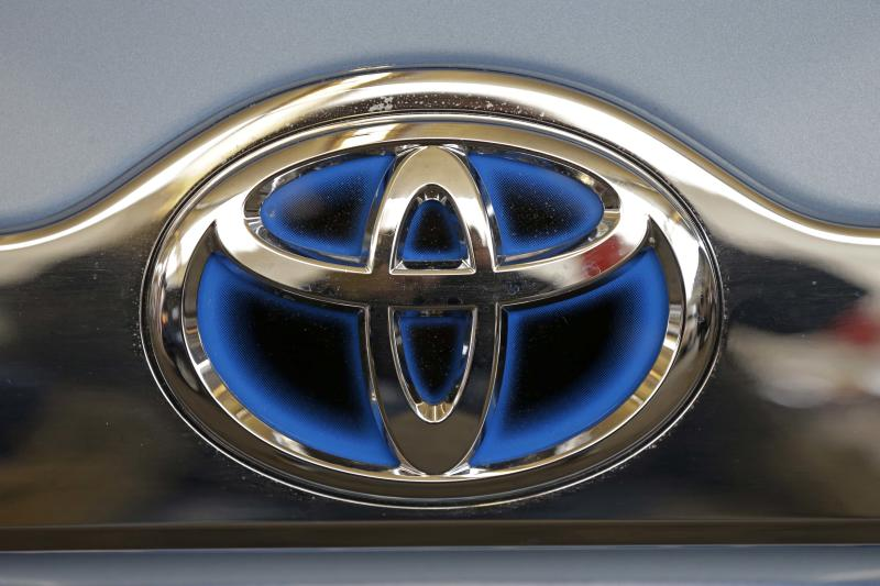 Toyota: Cars will be safer, but still need drivers