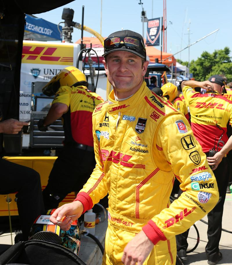 Hunter-Reay brushes wall in Belle Isle qualifying