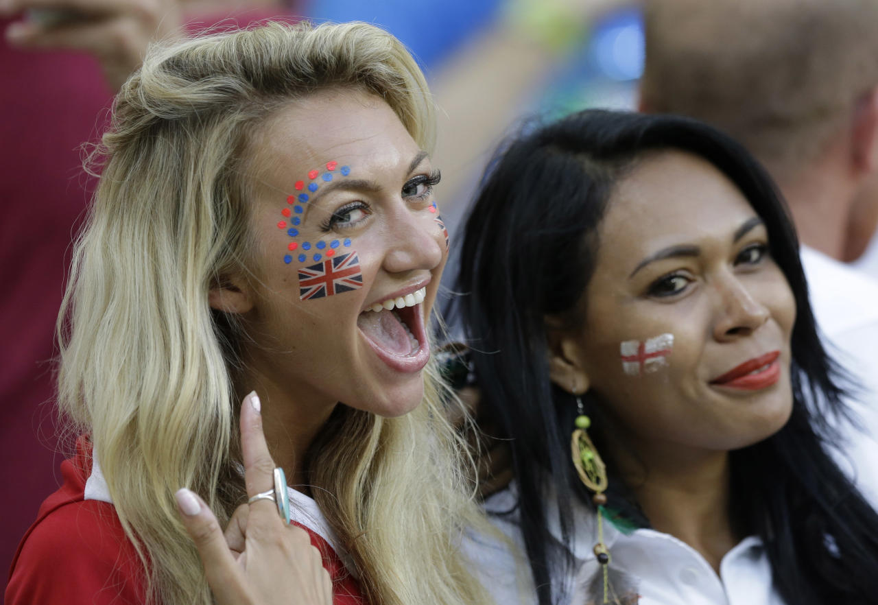 England supporters react before the start of the group D World Cup soccer match between England and Italy at the Arena da Amazonia in Manaus, Brazil, Saturday, June 14, 2014. (AP Photo/Matt Dunham)