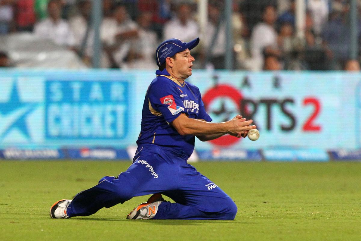 Brad Hodge fails to take the catch during the 2nd Qualifying match of the Pepsi Indian Premier League between The Rajasthan Royals and the Mumbai Indians  held at the Eden Gardens Stadium in Kolkata on the 24th May 2013..Photo by Ron Gaunt-IPL-SPORTZPICS      ..Use of this image is subject to the terms and conditions as outlined by the BCCI. These terms can be found by following this link:..http://www.sportzpics.co.za/image/I0000SoRagM2cIEc